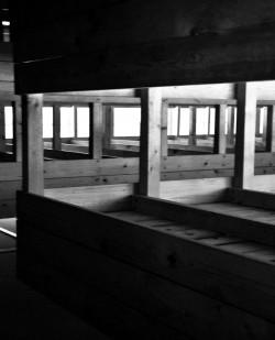 L'interno di una baracca di Dachau