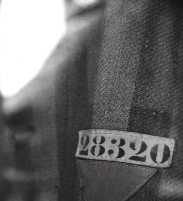 Il numero sulla casacca di un deportato di Dachau