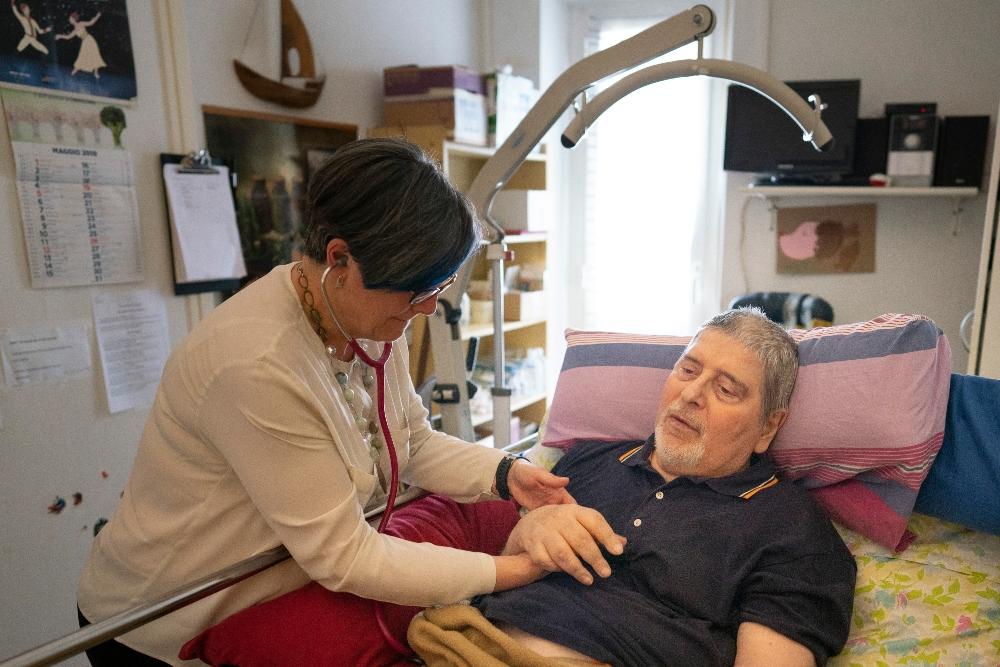 Gli ausli nelle cure palliative domiciliari